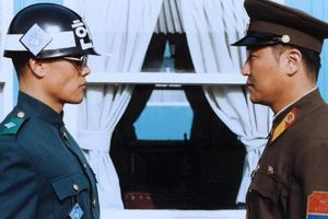 JSA (Joint Security Area) film complet