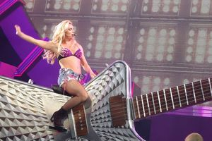 Britney Spears Live: The Femme Fatale Tour film complet