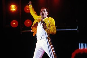 Queen: Live at Wembley Stadium film complet